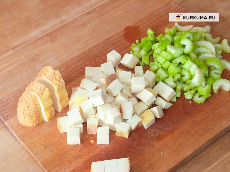 Вегетарианский суп с копченостями