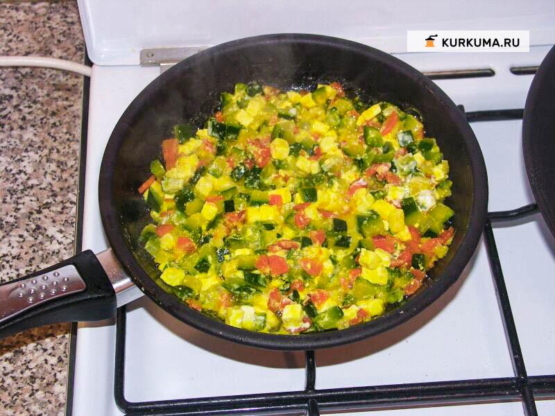 Вегетарианские рецепты - Цукини с адыгейским сыром и морковкой
