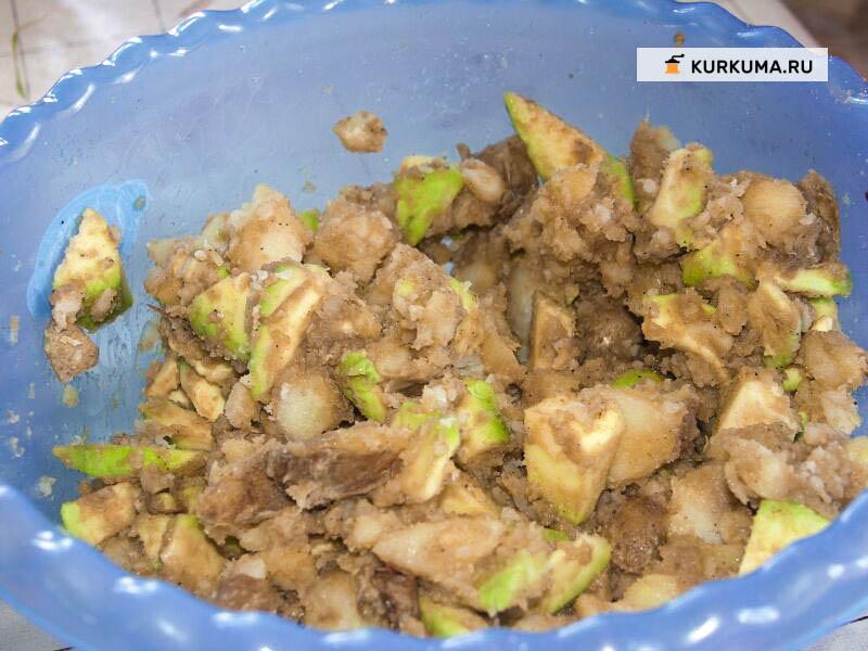Салат из авокадо и картофеля