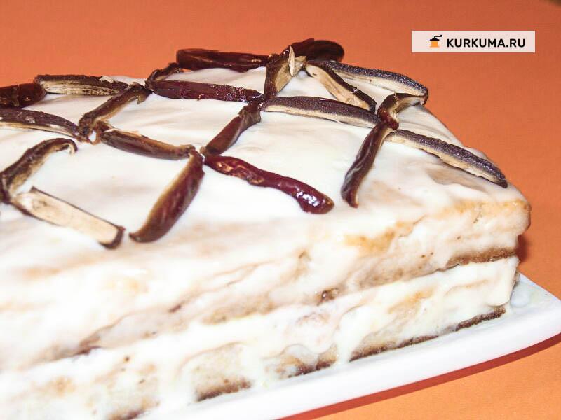 Фруктовый бисквитный торт