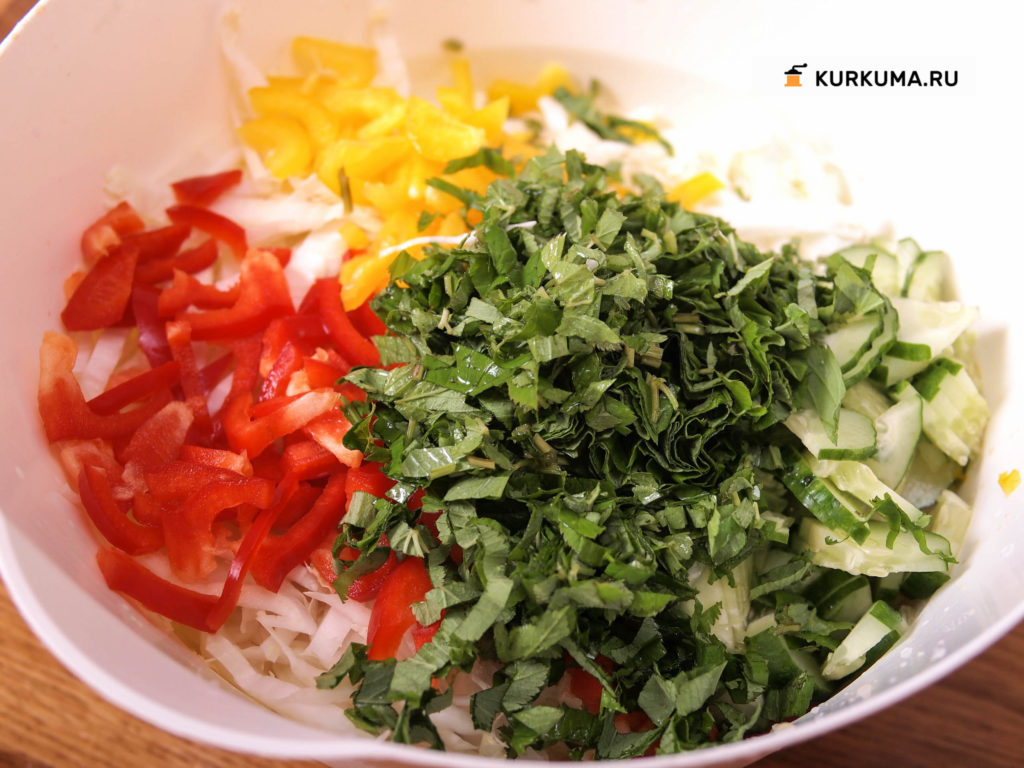 Салат из пекинской капусты со снытью