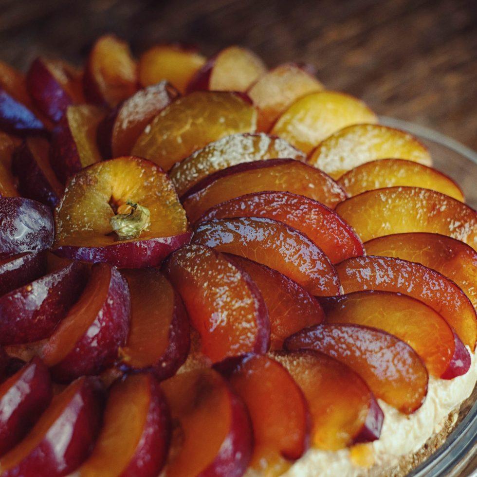 Сливовый тарт - сыроедческий рецепт