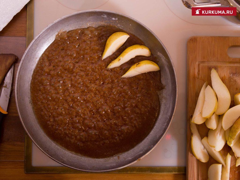Грушевый кекс с карамелью