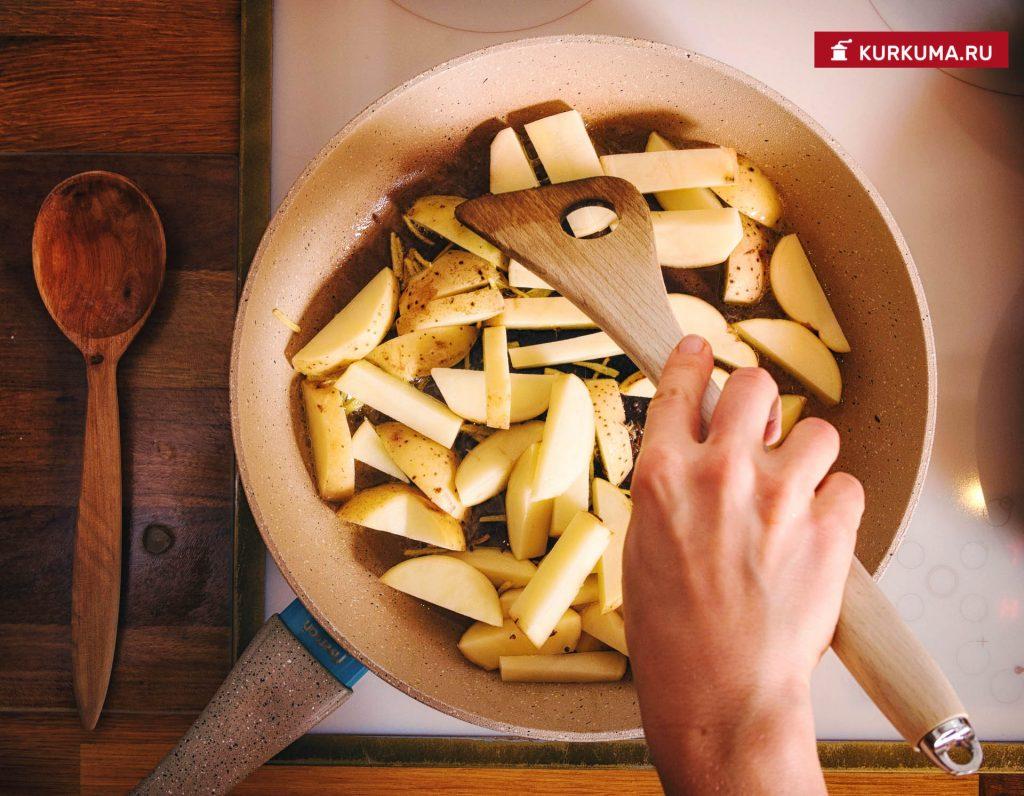 Пряная цветная капуста с картофелем
