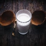 Кокосовое молоко, кокосовая стружка и как разбить кокос