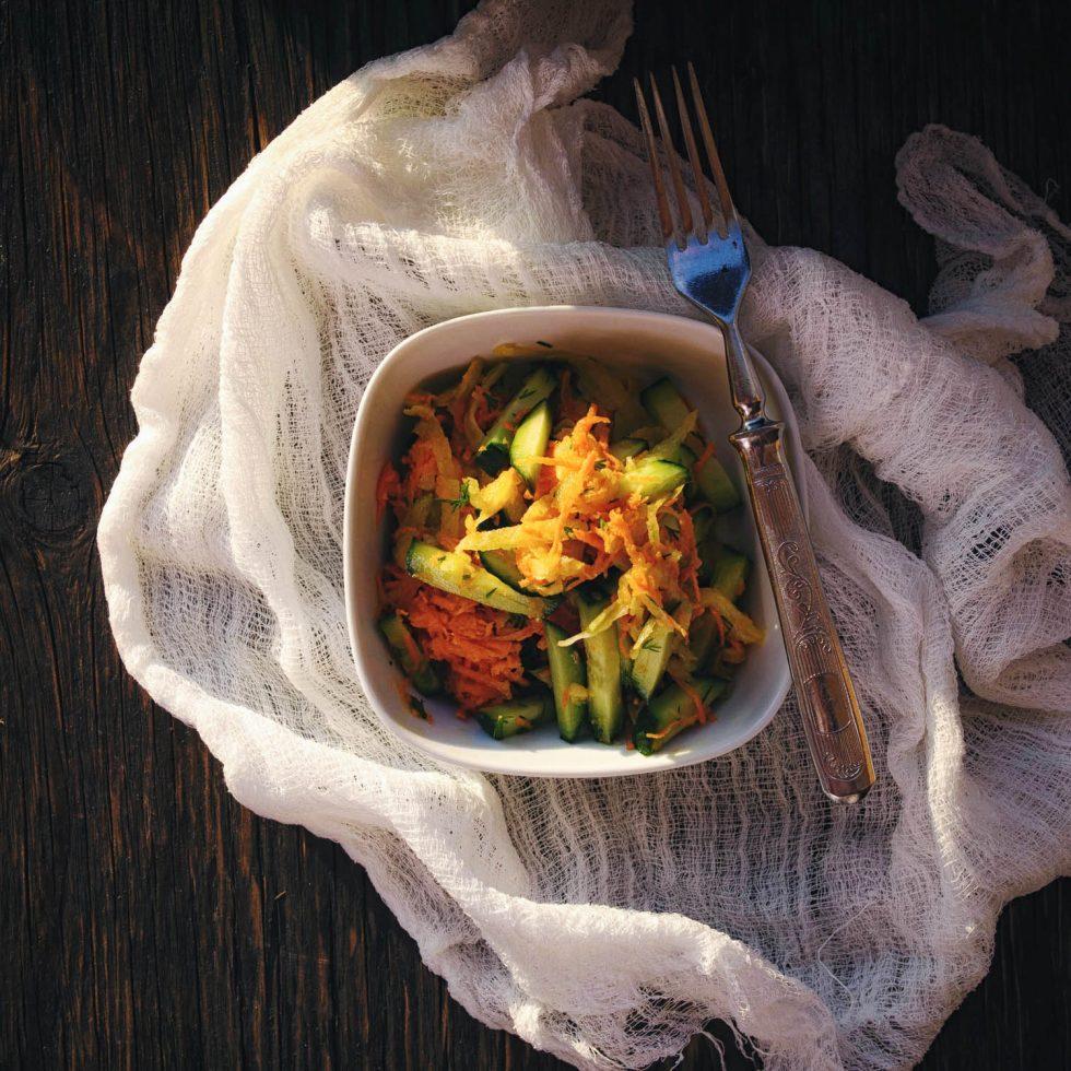 Салат из зеленой редьки - рецепт с фото