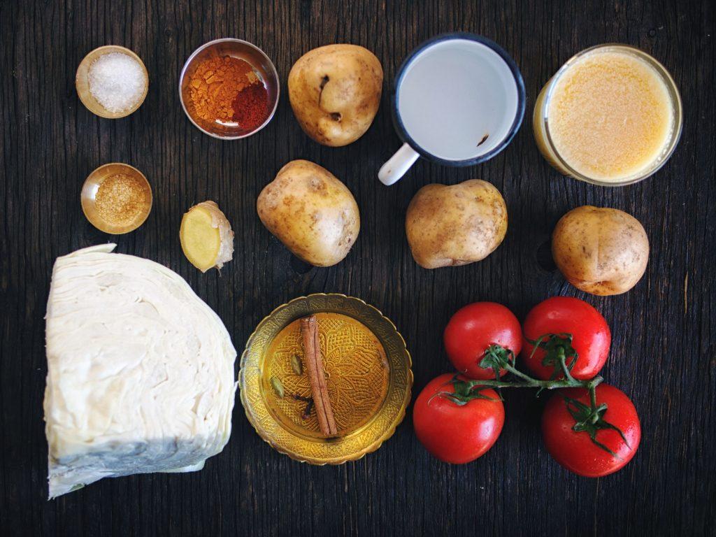 Сабджи с картошкой и капустой - рецепт с фото