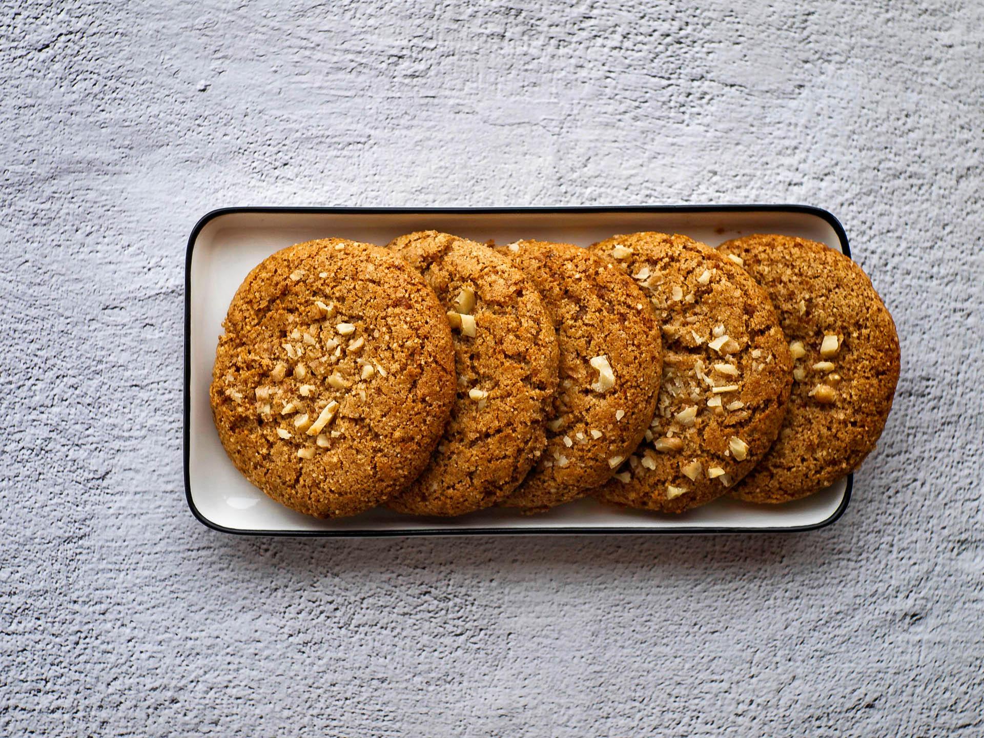 Имбирное печенье из зеленой гречки