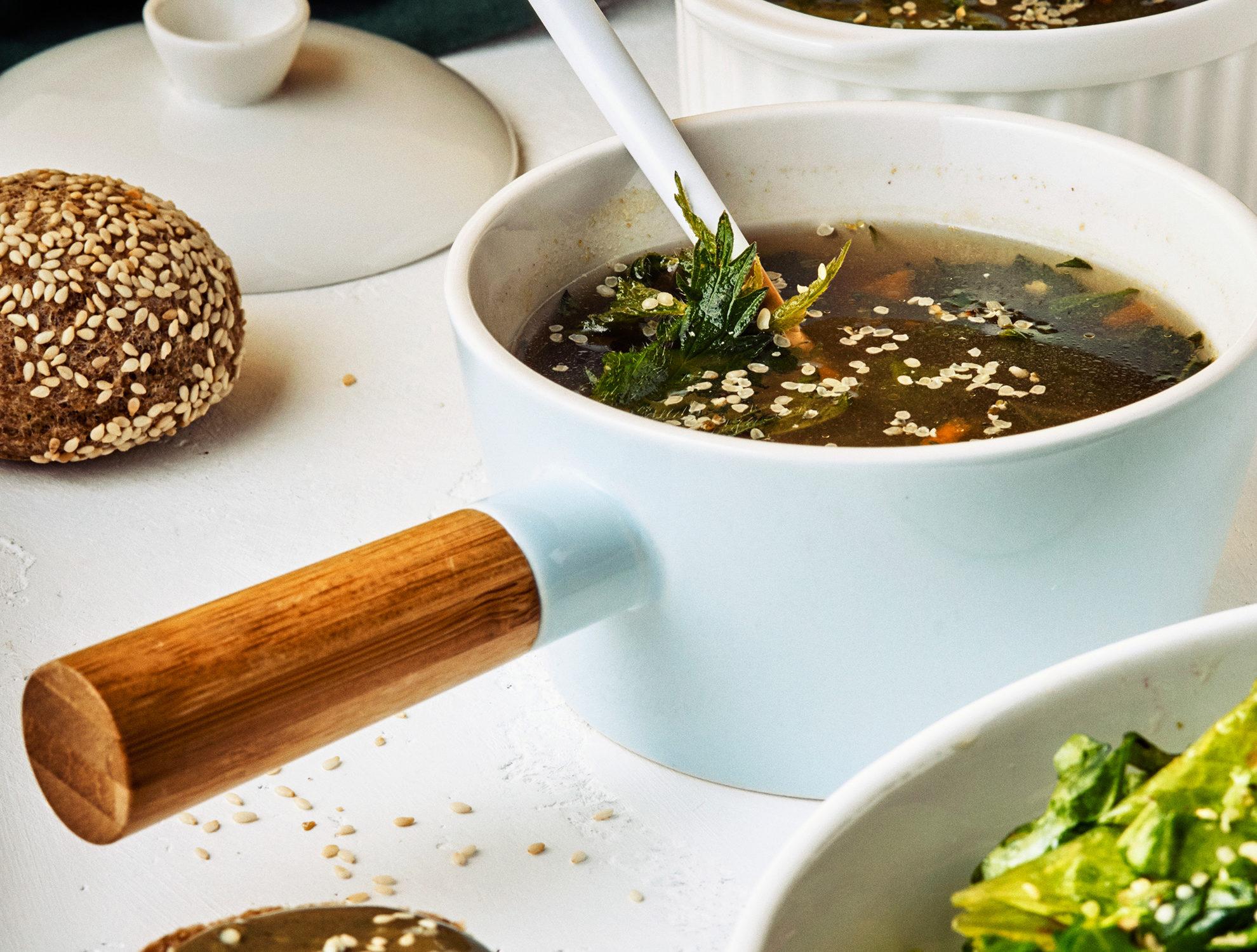 рецепт: крапивный суп с фасолью