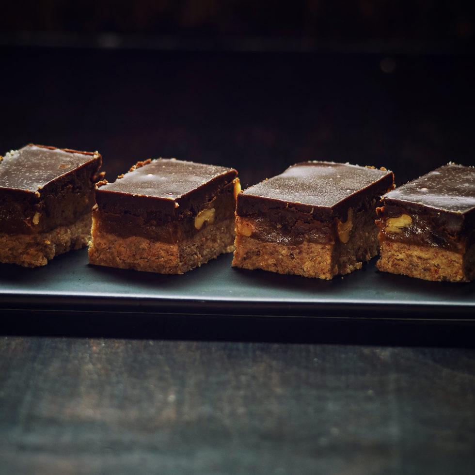 """сыроедческий десерт - печенье с шоколадом """"несникерс"""""""